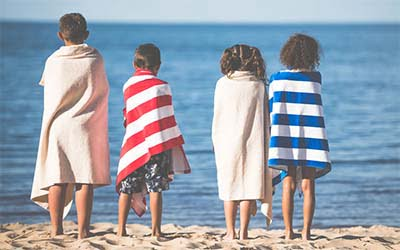 What to Should Pack for the Beach With Kids