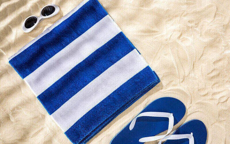 Different Between Normal Towels and Beach Towels